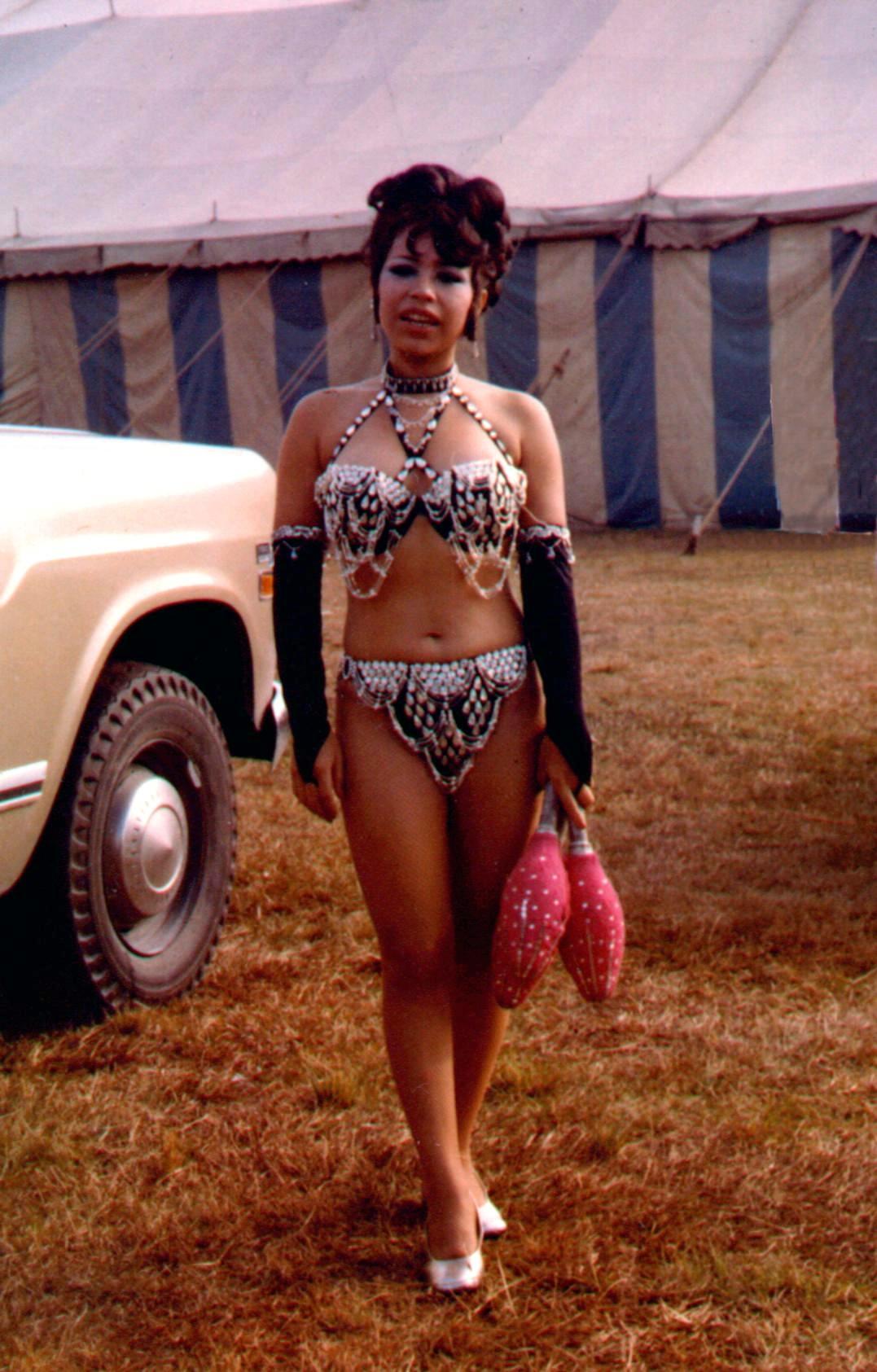 circus artist marina diaz